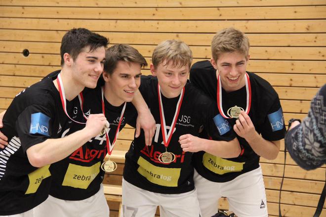 Glückliche Gesichter nach dem Gewinn der Mittelrheinmeisterschaft